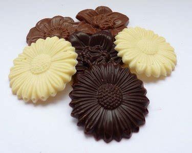 Handmade Belgian Chocolates - chocolate flowers chantelly chocolade