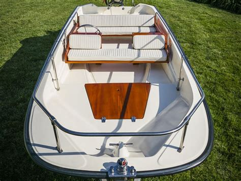 whaler boat cushions boston whaler 13 super sport deluxe cushion set ow boat