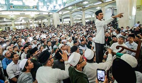 fb ustadz abdul somad antusias jemaah menjadikan kedatangan ustaz abdul somad