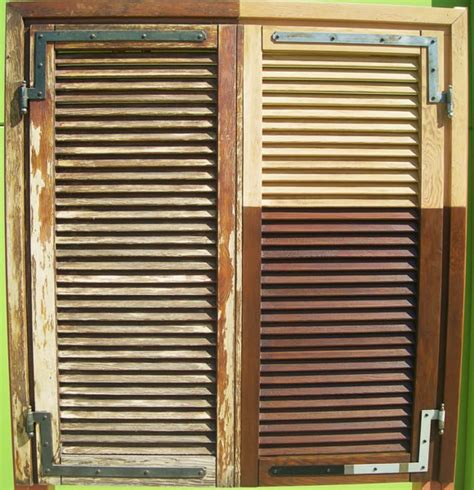 ristrutturazione persiane in legno sabbiature verniciatura sverniciatura persiane