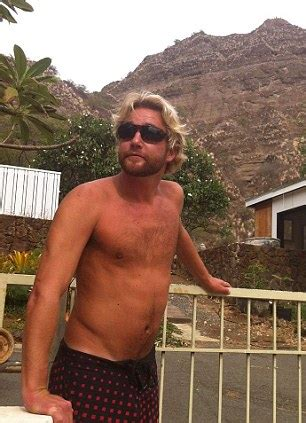 boat captain school drunk captain leaves hawaii snorkelling group at sea