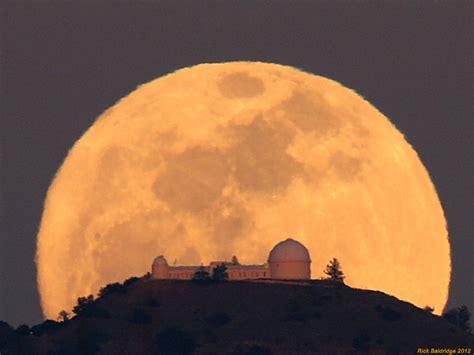 apod 2012 march 10 observatory moonrise