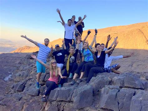 Why You Should Do Couchsurfing In Dubai