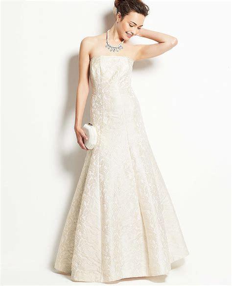 the perfect wedding dress for every zodiac sign lace best wedding dress for your zodiac sign popsugar fashion