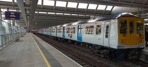 thameslink railway file thameslink new livery 2014 png wikimedia commons