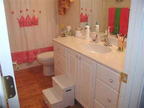 girl bathroom ideas 10 little girls bathroom design ideas shelterness