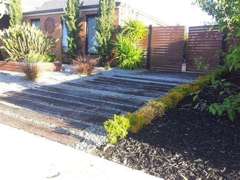 Using Landscape Timbers To Border A Driveway 1000 Images About Driveway On