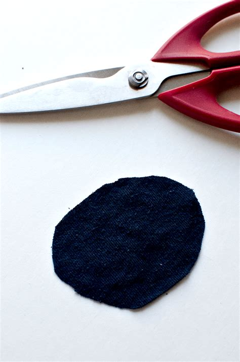 How To Make A Pirate Eye Patch Out Of Paper - diy pirate eye patch tutorial momdot