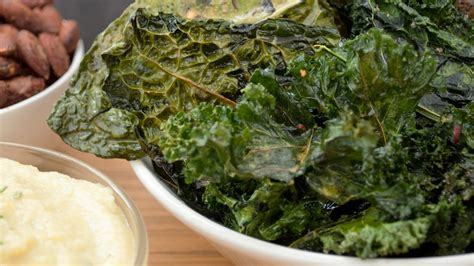 Sunkrisps Gomashio Kale Flakes Original Kale Chips Gusto