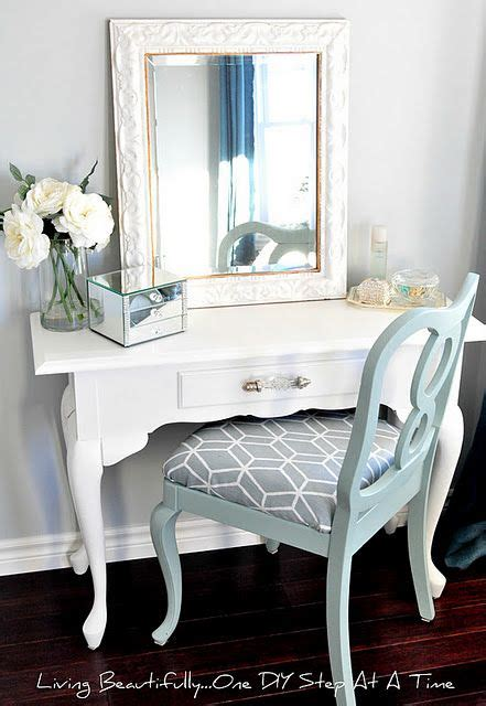 Cheap Vanity Desk With Mirror by 25 Best Ideas About Cheap Vanity Table On