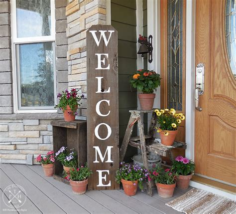 create  colorful  welcoming farmhouse style front porch