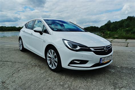 Opel Astra 1 6 by Opel Astra 1 6 Cdti Elite Cichy Bohater Namasce