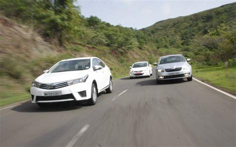 Toyota Vs Skoda 3d Shootout Toyota Corolla Altis Vs Hyundai Elantra Vs