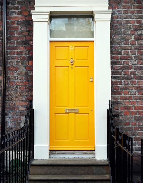 What Color To Paint A Front Door How To Add Interest To Your Front Door Mybktouch