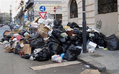 procura della repubblica di napoli ufficio denunce rifiuti esposto denuncia wwf palermo e rifiuti