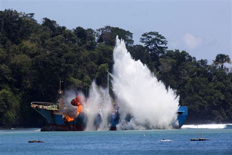boat from malaysia to indonesia like indonesia malaysia to sink illegal foreign fishing