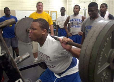 robert turbin bench press 25 most jacked players in the nfl