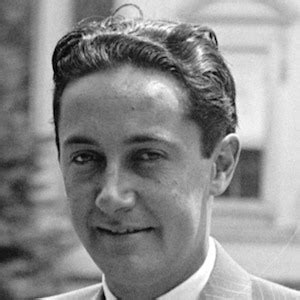 film producer biography exle irving thalberg film producer bio facts family