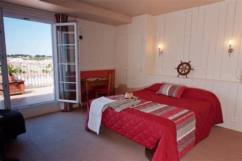 chambre avec terrasse privative hotel vue mer yeu