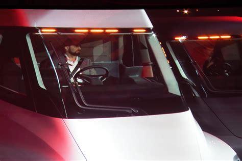 Tesla Semi Truck Interior Sleeper Cabinets Matttroy