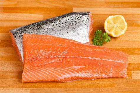 Shelf Of Fresh Salmon by Fresh Alaskan Salmon Fillet Skin On 150g To 200g