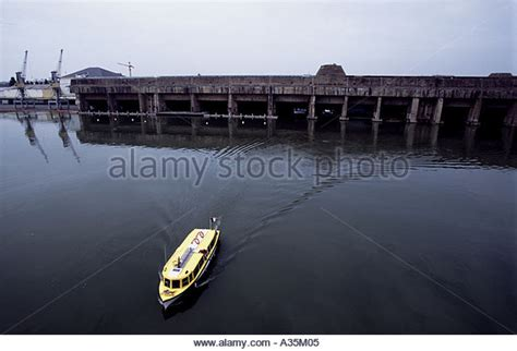 german u boat niagara falls u boat base stock photos u boat base stock images alamy