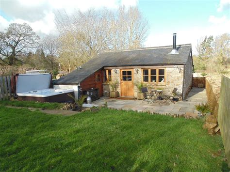 Cottage Farms Location by 1 Bedroom Cottage Near Golf In Swerford 1095428