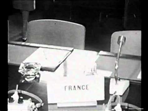 La Chaise Vide by La Politique De La Chaise Vide