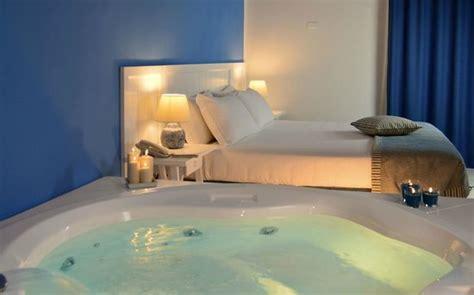 hotel con suite e vasca idromassaggio suite vista mare con vasca idromassaggio foto di cala