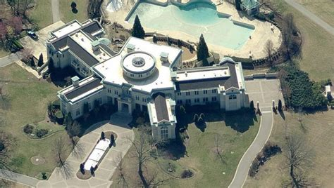 rick ross atlanta house the top 15 most luxurious homes of rappers