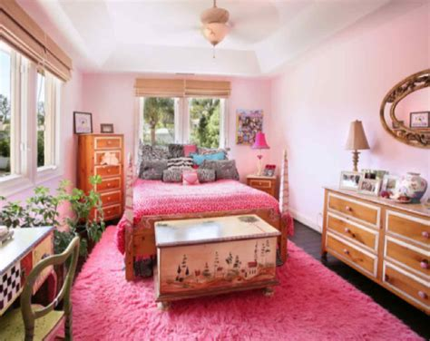 the pink bedroom bedroom with pink color that looks beautiful and gorgeous