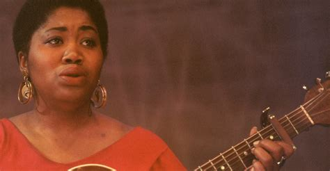 who is black singer in manning cm portrait of odetta singing black women musicians