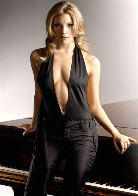 Natalie Dormer Photoshoot Of Thrones Natalie Dormer Flashes Plenty Of Cleavage