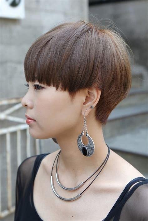 layered mushroom haircut for women mushroom haircut for women regarding provide hairstyles