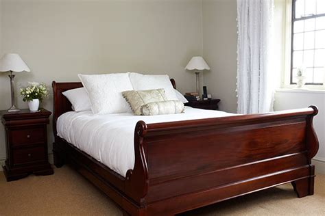 choosing bedroom furniture by oak furniture land the oak