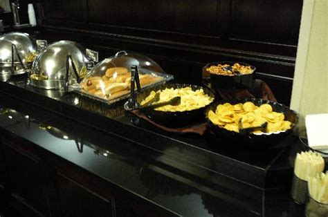 Buffets In Nashville Dinner Buffet Picture Of Drury Inn Suites Nashville