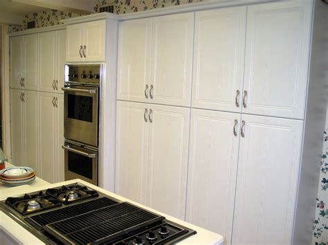 20 White Thermofoil Cabinet Doors   carehouse.info
