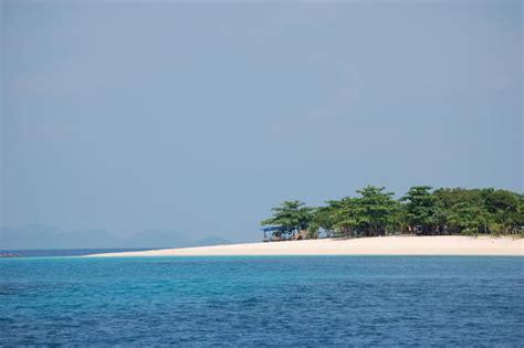 dibutunay island busuanga palawan photo