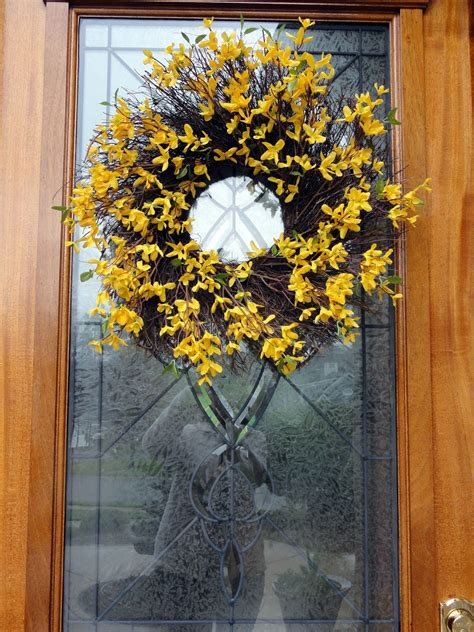 forsythia wreath tutorial forsythia wreath wreaths and easy happy home spring things and strange things
