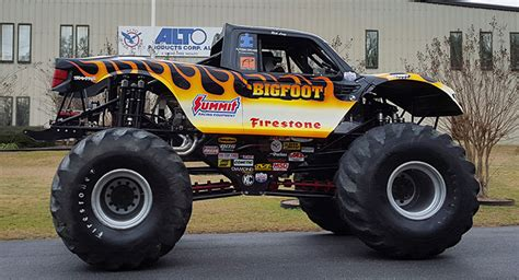 bigfoot 21 monster truck bigfoot monster truck visits local company that keeps it