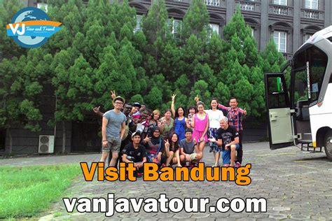 travel bandung jakarta baraya travel bandung jakarta group tour to bandung guide group tour in bandung