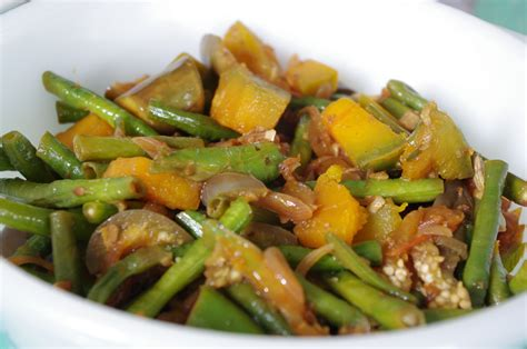 foodesign pinakbet mixed vegetable dish