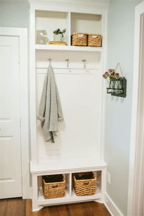 Built In Couches by 32 Small Mudroom And Entryway Storage Ideas Shelterness