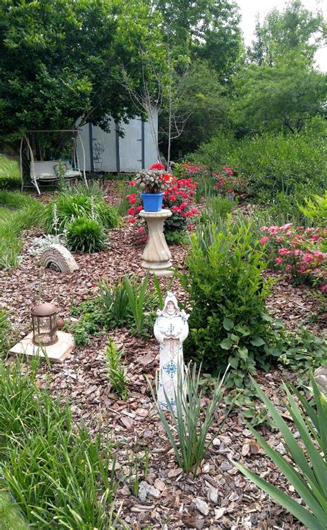 Summer Garden Tips To Keep Your Lawn Garden Beds Looking Summer Garden Ideas