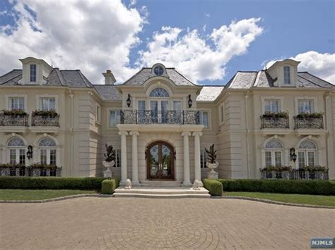 chateau homes best 25 mansion ideas on chateau grand staircase and chateau