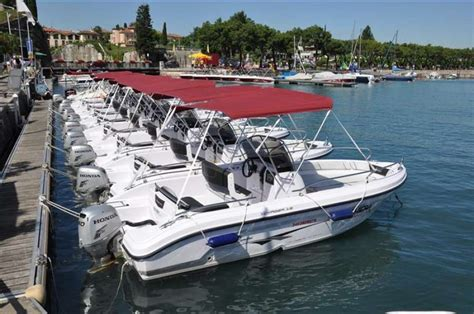 where to rent a boat boat renting in lake garda
