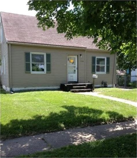 houses for sale in davenport iowa 2709 diehn ave davenport ia 52802 detailed property info foreclosure homes free