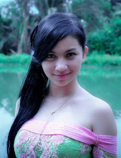 Baju Terseksi Wanita kumpulan foto artis fulgar mulus 2013 screenshot 8 grcom info