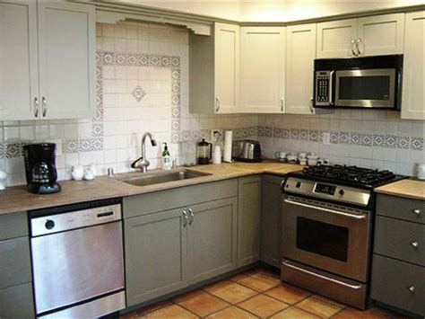 Refinish Kitchen Cabinet Refinishing Kitchen Cabinets To Give New Look In The Cooking Area Designwalls