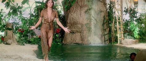 Nude Video Celebs Raquel Welch Sexy Lanimal